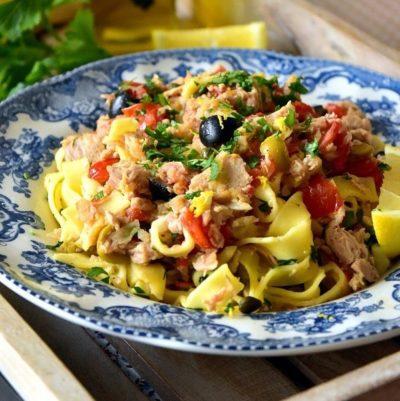 La recette du mois : Pâtes au thon tomates et olives